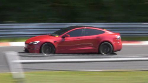 """Tesla """"calcă pedala"""" și stabilește un nou record mondial"""