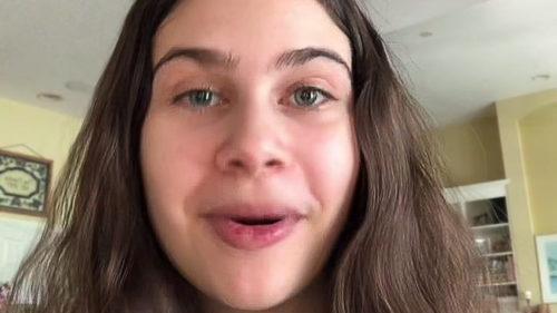 O adolescentă a devenit virală pe TikTok. Postările ei au perturbat mii de studii