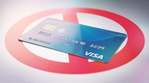 Obsesia românilor pentru carduri de credit ne costă scump: câți dintre noi sunt dependenți de shopping online