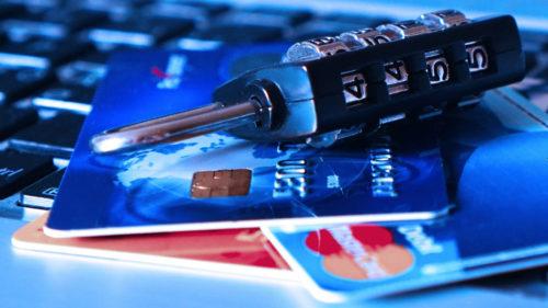 Hackerii au lăsat-o fără 40.000 de euro într-o singură zi: la ce bancă avea cont românca