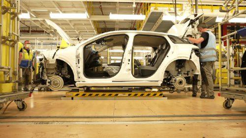 Probleme pentru părintele Dacia: ce anunț trist a făcut Renault