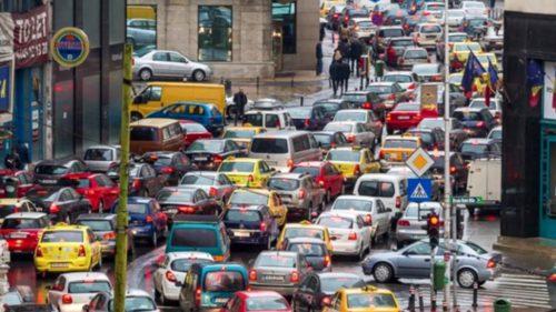 Semafoarele din oraș, mai deștepte ca niciodată: la ce ajută inteligența artificială a Google